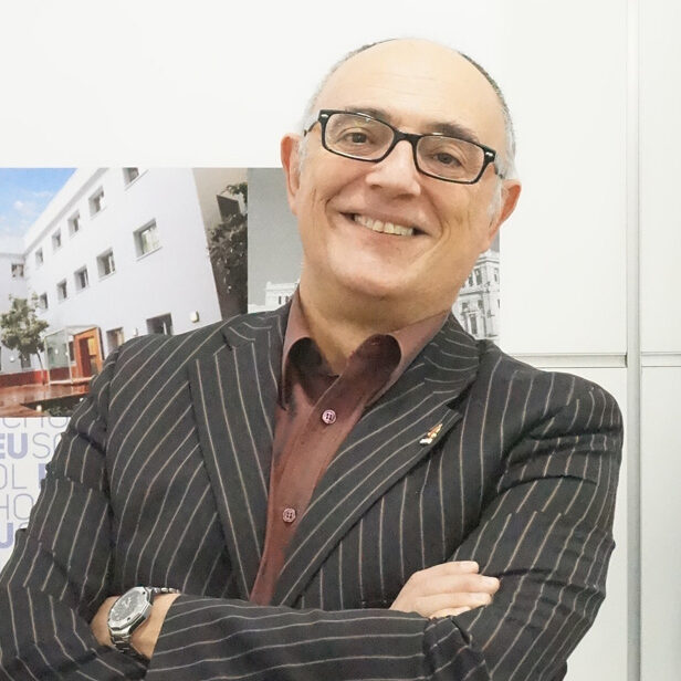 Profesor Isidro Tenorio